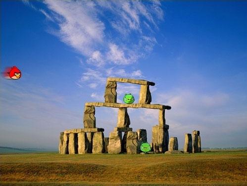 Humor: como surgiu o monumento de Stonehenge...