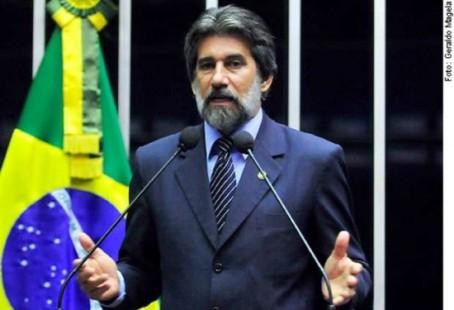 senador anti games 454x310 Vitória dos Nerds: senador desiste do projeto da Lei antigames!