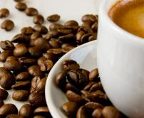Pesquisadores dizem que consumo de café pode reduzir os seios!