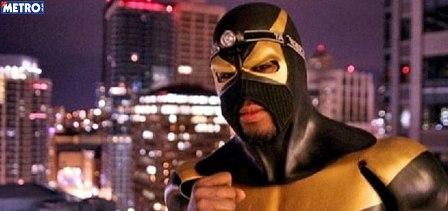 heroi Kick ass: homem tenta virar super herói e acaba apanhando!