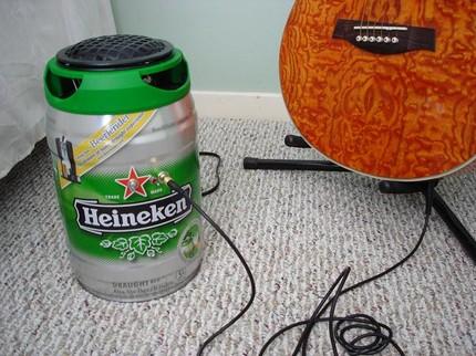 Heineken amp Rock and roll: designer lança amplificador de guitarra em barril de cerveja Heineken!