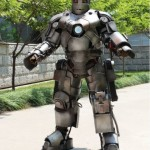 Chinês vai trabalhar vestindo armadura do Homem-de-Ferro, de 50kg!