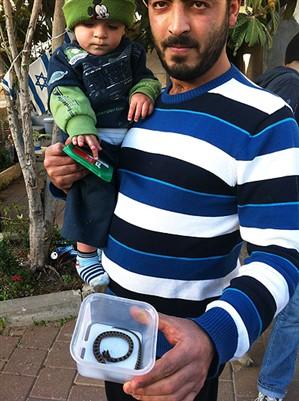 Notícias bizarras: bebê de 9 meses mata serpente a dentadas!
