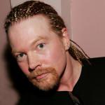 axl nao morreu 150x150 Twitter: morre Axl Rose, vocalista do Guns N Roses!