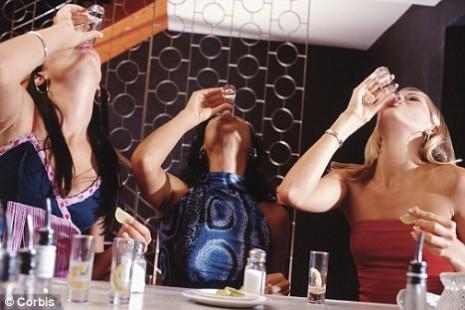 bebadas 465x310 Cientistas lançam droga que permitirá beber... e não ficar bêbado!
