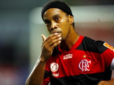 video ronaldinho gaucho Ronaldinho afirma em video que jogaria de graça!