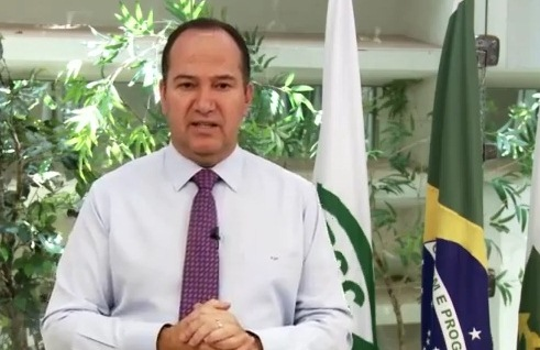 pastor everaldo pum Video: Pastor Everaldo solta pum no jornal nacional