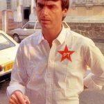 Bolsonaro é visto com camisa do PT e cigarro de maconha na mão? Saiba a verdade