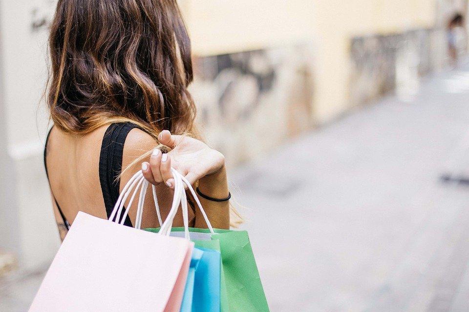 Como comprar na Internet aproveitando descontos