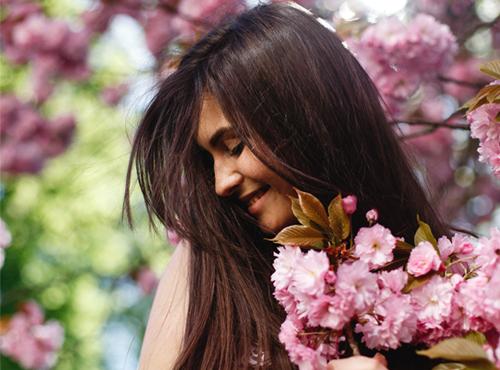 Dia da Mulher:veja por que mandar flores é uma otima maneira de celebrar